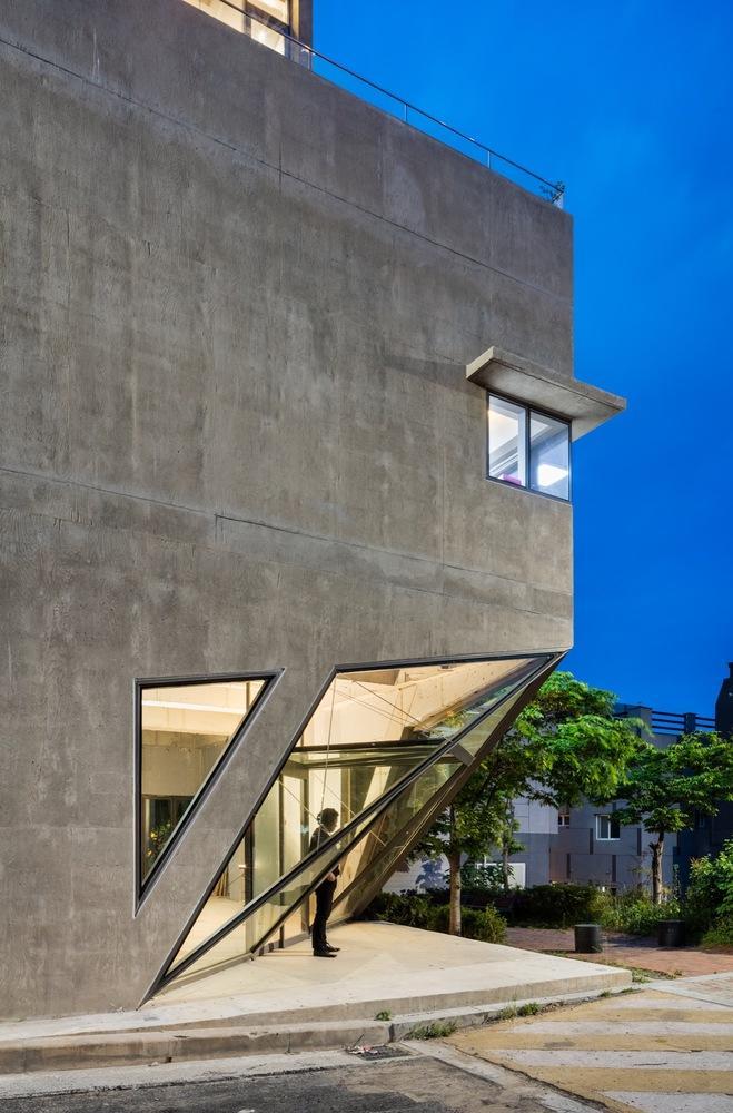 韩国釜山一个像猫头鹰一样的私人住宅设计