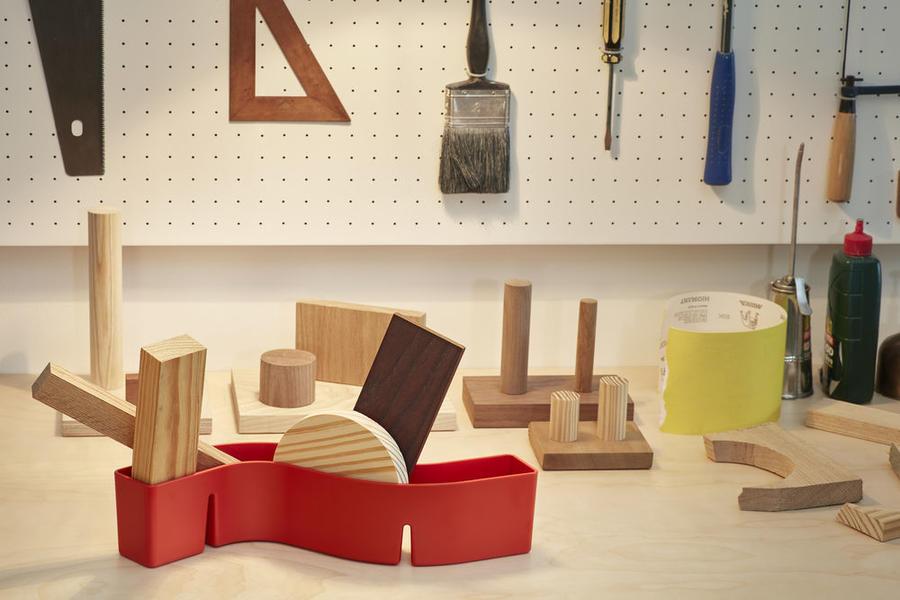 英国产品设计师 Jasper Morrison为虚构的艺术家完成一间 150 平方米公寓的室内设计
