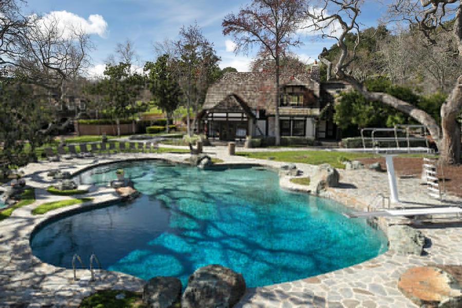 迈克尔-杰克逊(Michael Jackson) 故居「Neverland」 售价高达 $6,700 万美元