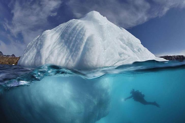 iceberg-underwater-tobias-friedrich-8.jpg